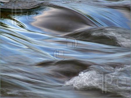 Water-Motion-170578
